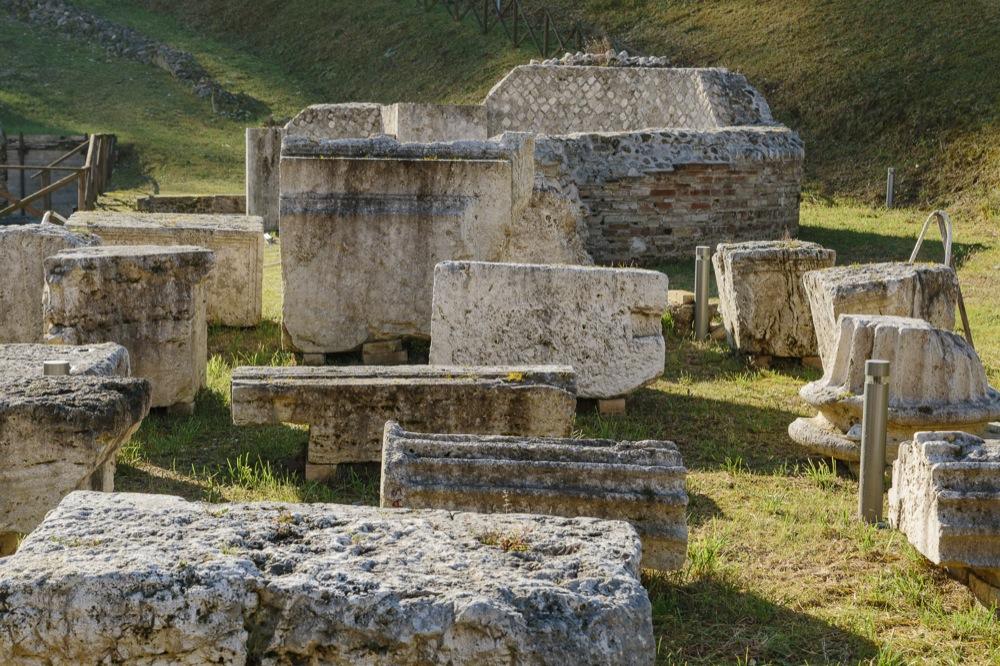 Luoghi da vedere ricchi di storia ad Ascoli Piceno: il Teatro romano