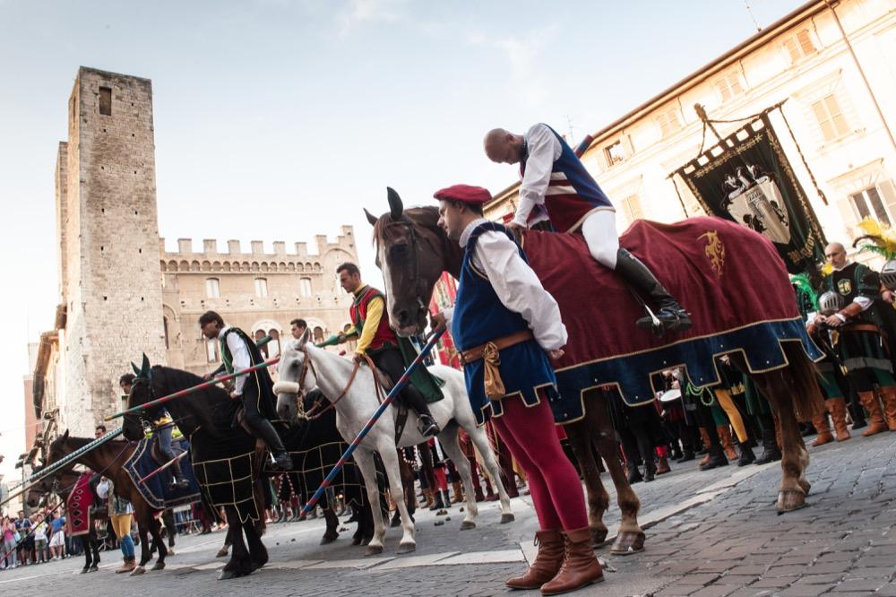 Giostra della Quintana ad Ascoli Piceno: i punti strategici per ammirare il corteo