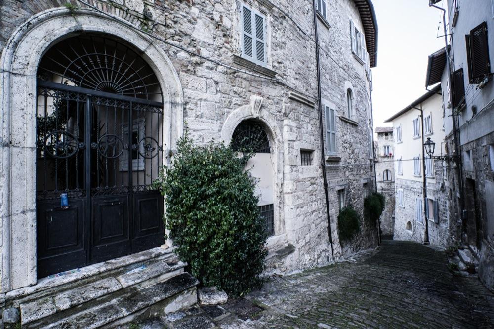 Un tuffo nel passato ad Ascoli Piceno: Via Pretoriana