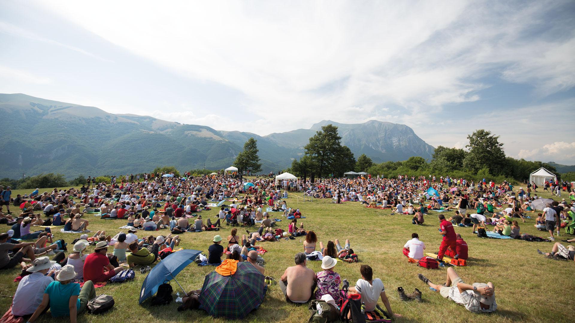 """Torna RisorgiMarche, il festival musicale """"diffuso"""" immerso nel verde ideato da Neri Marcorè"""
